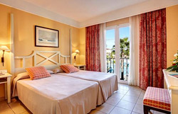 twin bedroom holiday village menorca